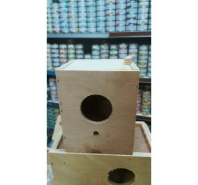 Nido per papagallini in legno
